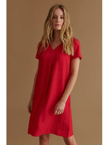 TATUUM Sukienka w kolorze malinowym
