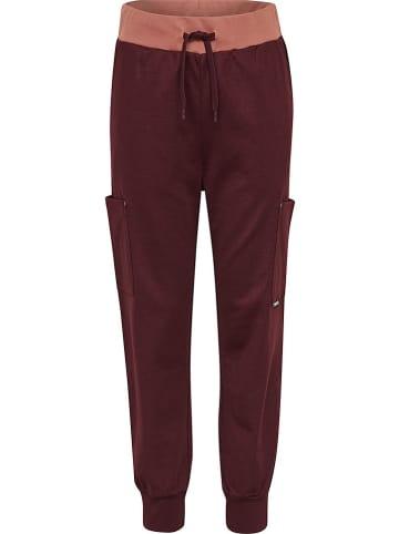 """Hummel Spodnie """"Note"""" w kolorze czerwonym"""