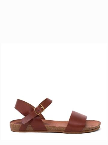 Qualä Skórzane sandały w kolorze brązowym