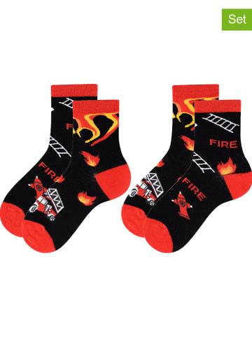 TODO SOCKS Skarpety (2 pary) w kolorze czarno-czerwonym