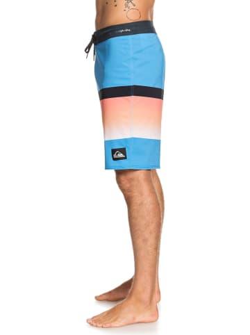"""Quiksilver Zwemshort """"Highline Slab"""" lichtblauw/oranje"""