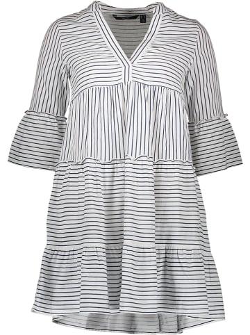 Vero Moda Kleid in Weiß/ Blau