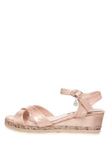 Xti Sandały w kolorze różowozłotym