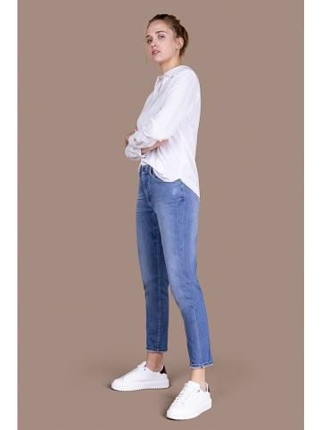 """Blue Fire Jeans """"Sofie"""" - Mom fit - in Hellblau"""