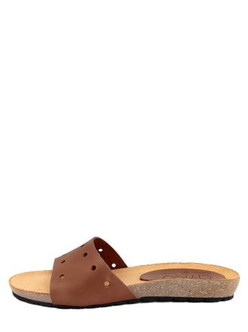 CIVICO 61 Skórzane klapki w kolorze brązowym