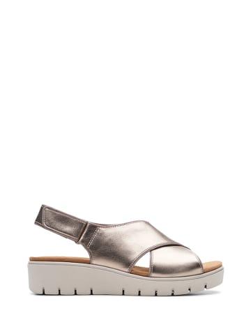 Clarks Skórzane sandały w kolorze różowego złota