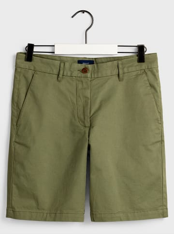 Gant Shorts in Oliv
