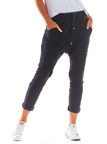 INFINITE YOU Spodnie w kolorze czarnym