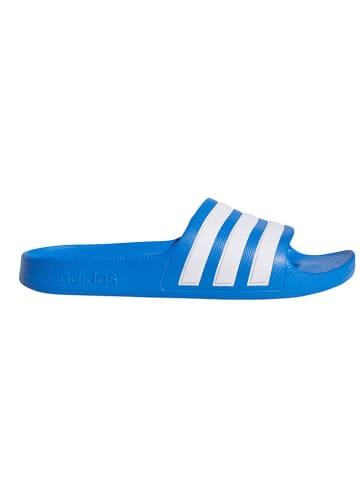 """Adidas Klapki kąpielowe """"Adilette Aqua"""" w kolorze niebieskim"""