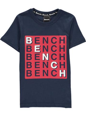 """Bench Koszulka """"Check"""" w kolorze granatowym"""