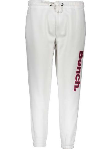 """Bench Spodnie """"Mandi"""" w kolorze białym"""