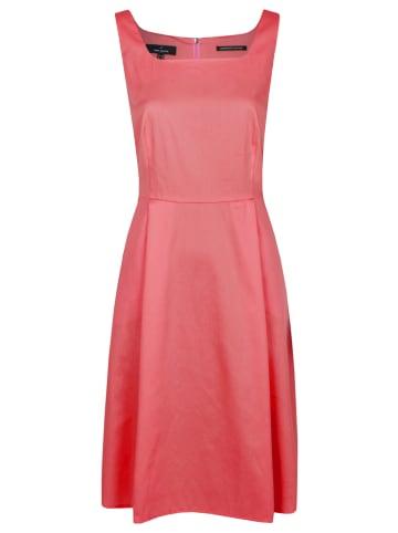 Daniel Hechter Sukienka w kolorze czerwonym