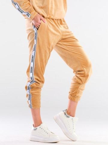 Awama Spodnie dresowe w kolorze beżowym