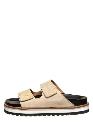 """Marc O'Polo Shoes Skórzane klapki """"Andrea 3B"""" w kolorze beżowym"""