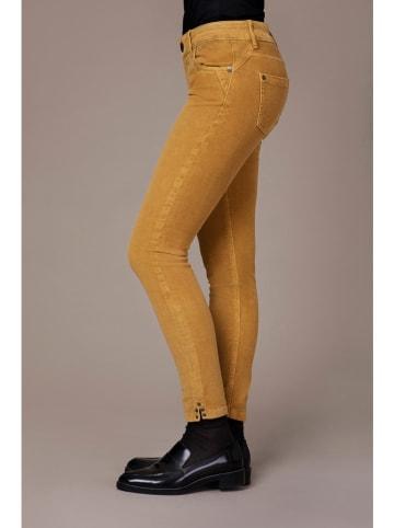 """Blue Fire Spodnie sztruksowe """"Chloe"""" - Skinny fit - w kolorze musztardowym"""