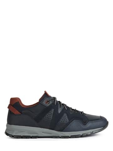 "Geox Sneakersy ""Delray"" w kolorze granatowym"