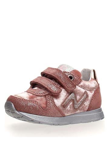 """Naturino Sneakersy """"Slam"""" w kolorze jasnoróżowym"""