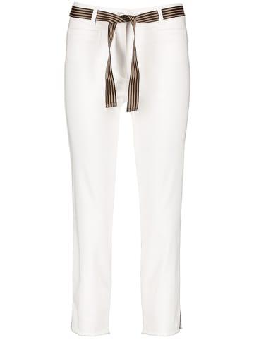 Gerry Weber Dżinsy - Slim fit - w kolorze białym
