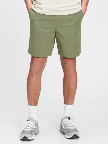 GAP Shorts in Oliv