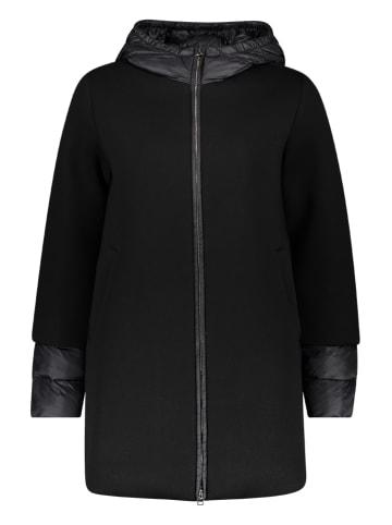Benetton Płaszcz softshellowy w kolorze czarnym