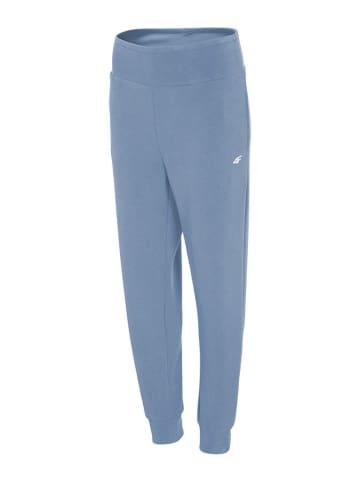 4F Spodnie dresowe w kolorze niebieskim