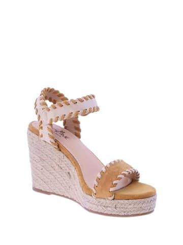 FOR TIME Skórzane sandały w kolorze musztardowo-beżowym
