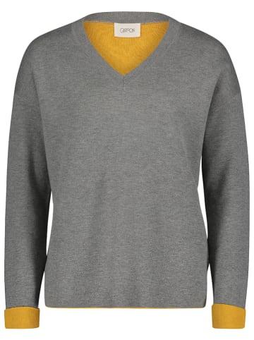 CARTOON Sweter w kolorze szaro-żółtym