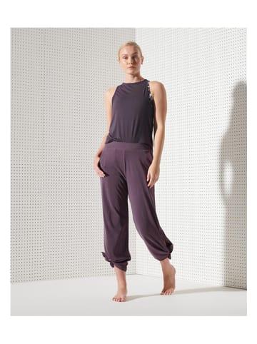 Superdry Spodnie sportowe w kolorze fioletowym
