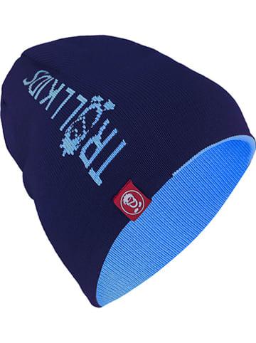 Trollkids Dwustronna czapka beanie w kolorze błękitno-granatowym