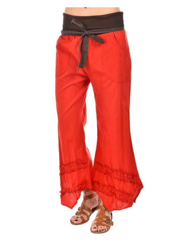 Namaste Hose in Rot