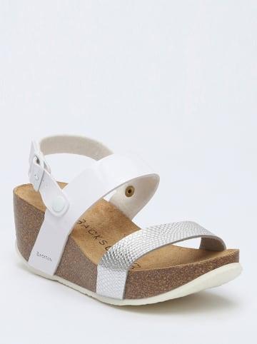 BACKSUN Sandały w kolorze biało-srebrnym na koturnie