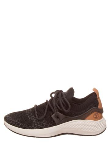 """Timberland Sneakersy """"FlyRoam Go Knit Chukka"""" w kolorze czarnym"""