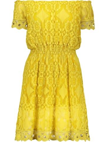 Pretty Closet Kleid in Gelb