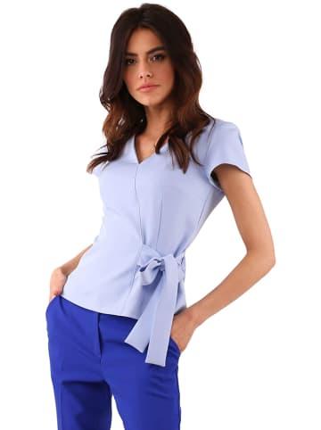 Kobiecy szyk Bluzka w kolorze jasnoniebieskim