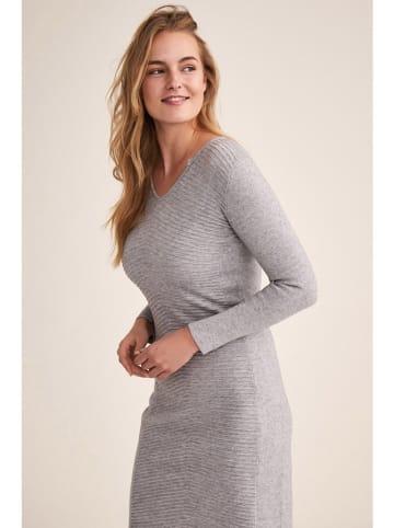 TATUUM Kleid in Grau