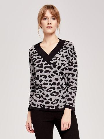 ZOCHA Sweter w kolorze czarno-szarym ze wzorem