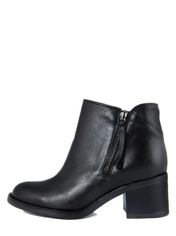 PAOLA FERRI Leder-Ankle-Boots in Schwarz