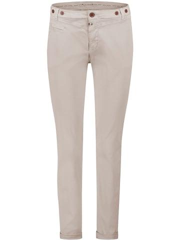 """Timezone Spodnie chino """"Linaria""""- Loose fit - w kolorze beżowym"""