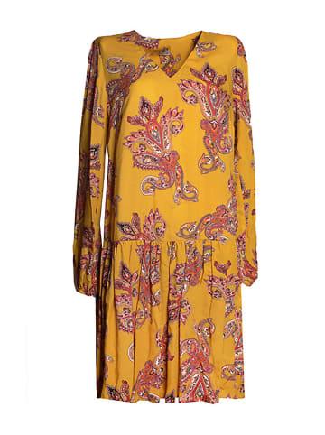 Tova Sukienka w kolorze żółtym ze wzorem
