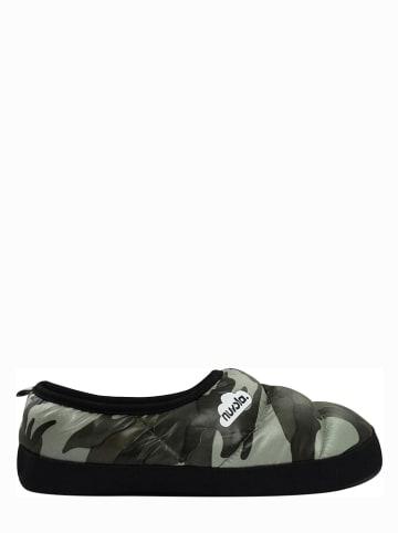 """Nuvola Kapcie """"Camouflage"""" w kolorze khaki"""