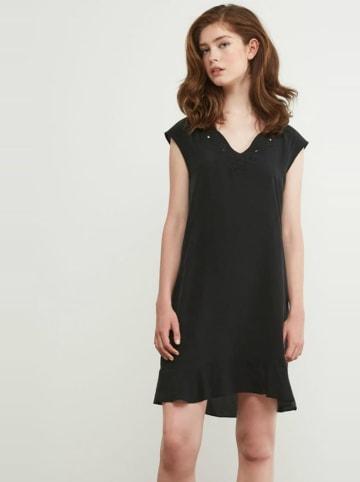 Comptoir des Cotonniers Sukienka jedwabna w kolorze czarnym