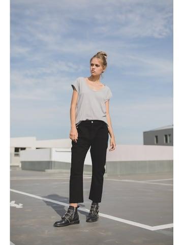 """June 7.2 Spodnie """"Charlie"""" w kolorze czarnym"""