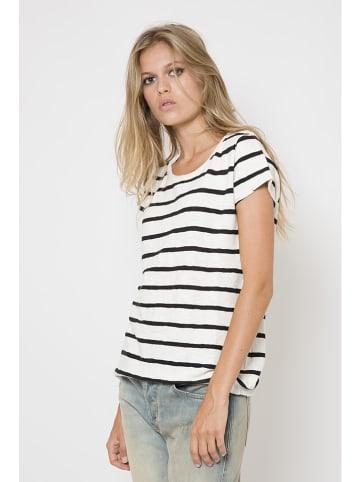 "June 7.2 Koszulka ""Ella"" w kolorze biało-czarnym"