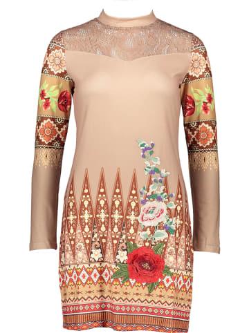 101 idées Sukienka w kolorze beżowym ze wzorem