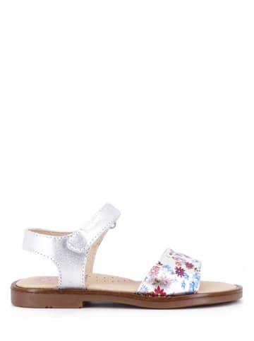 Pablosky Skórzane sandały w kolorze srebrnym