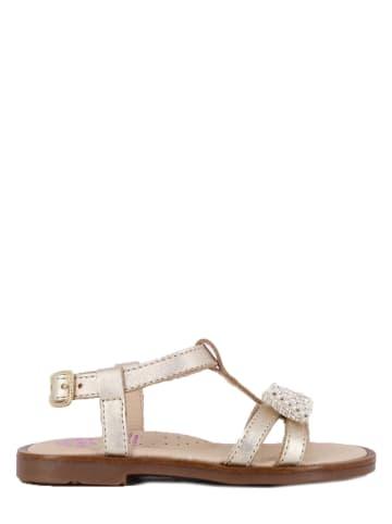 Pablosky Skórzane sandały w kolorze złotym