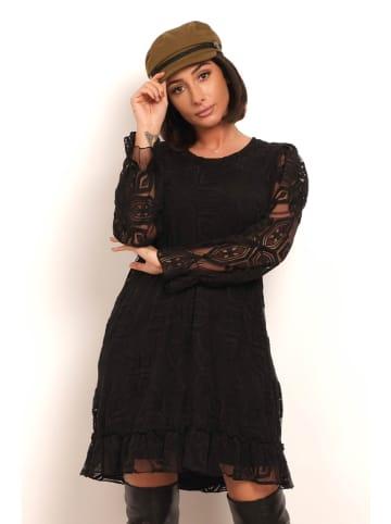 """Plus Size Fashion Sukienka """"Ely"""" w kolorze czarnym"""