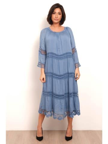 """Plus Size Fashion Sukienka """"Joy"""" w kolorze niebieskim"""