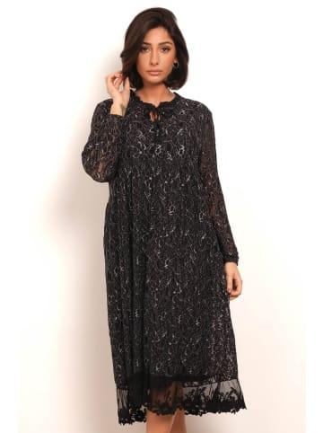 """Plus Size Fashion Sukienka """"Lina"""" w kolorze czarnym"""