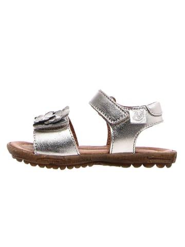 Naturino Skórzane sandały w kolorze srebrnym